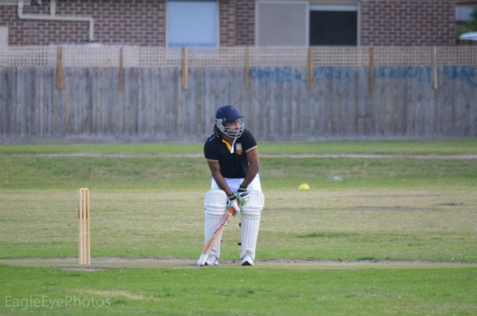 mcoba vs dss oba six-a-side cricket match 2012 9 20120501 1255394452